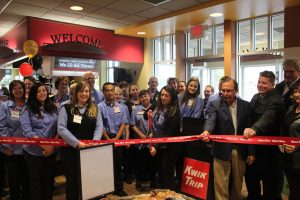 NEW KWIK TRIP IN BLACK RIVER FALLS OFFICIALLY OPENS | The official